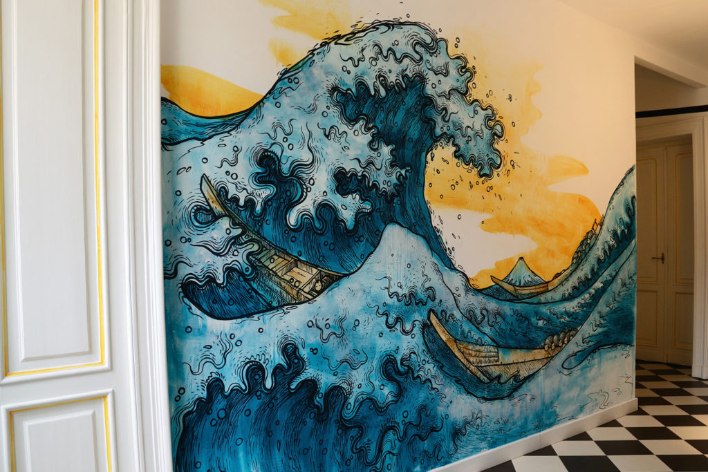 02-mural-art-graffiti-office-design-hokusai